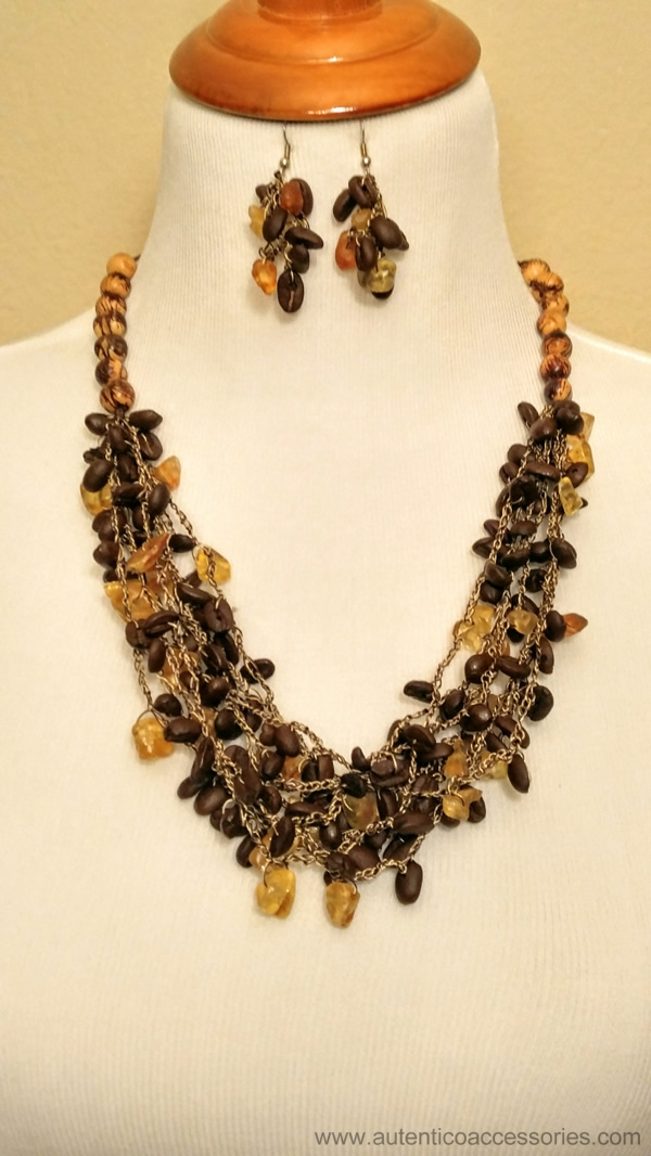 coffee beans and amber necklace slider home autentico